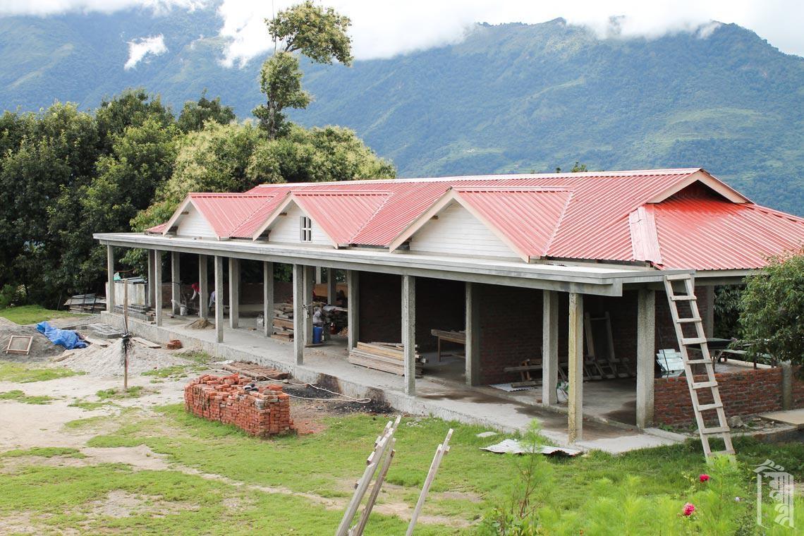 Das neue Verwaltungsgebäude war eine Gemeinschaftsaktion und ist fast fertig gestellt.