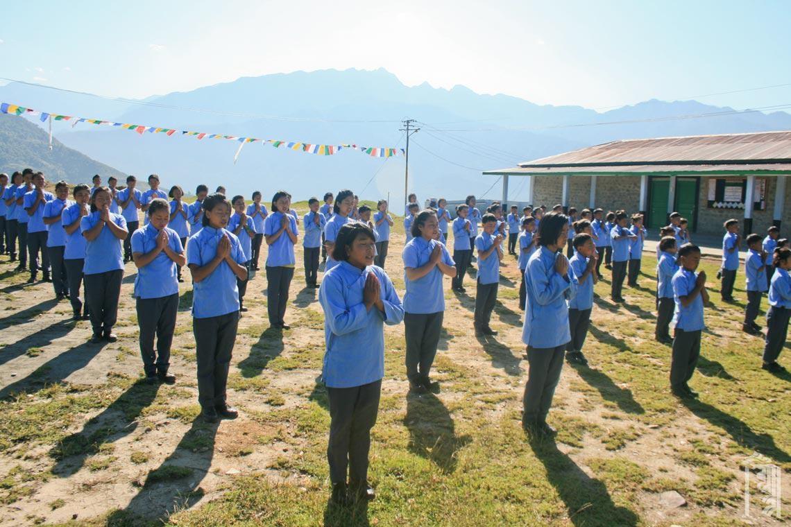 Morgendliche Versammlung im Jhamtse Gatsal