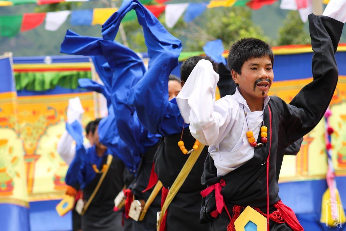 Die Kinder lernen mit Freude ihre Kultur durch Musik und Tanz kennen und teilen.