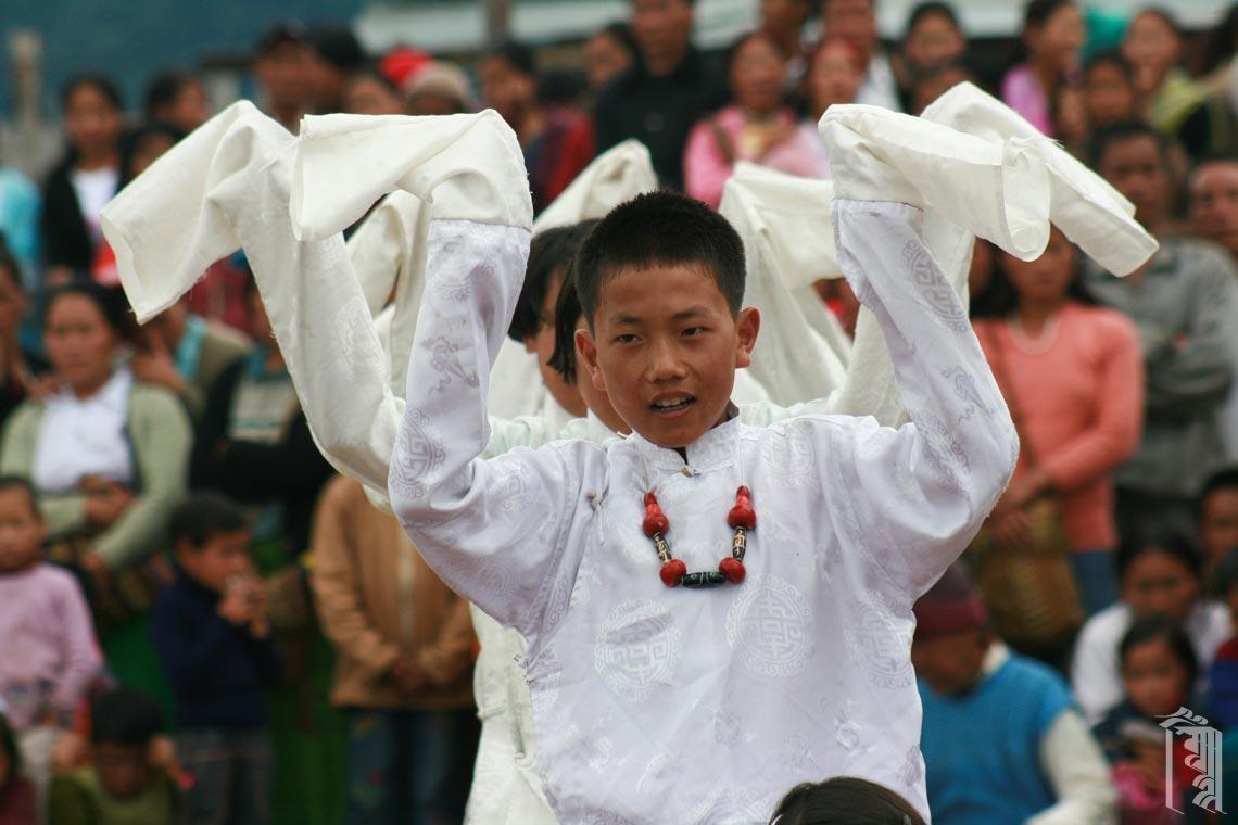 Jhamtse Gatsal Kinder sind sehr talentierte Tänzer und erhalten oft Einladungen zu öffentlichen Veranstaltungen in der Region.